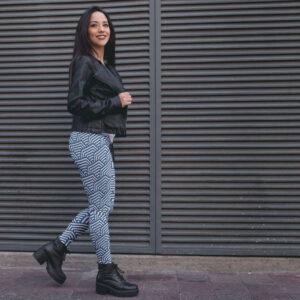 AwakeNAware.com-Awake-&-Aware---Lady-Walking-Down-Street-wearing-Hexagonal-Patterend-Yoga-Leggings