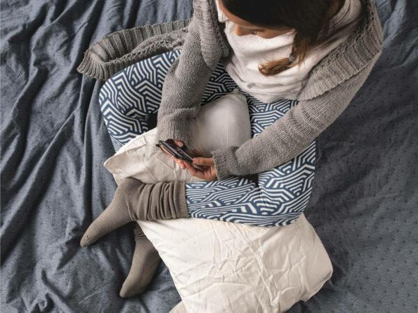 AwakeNAware.com-Awake-&-Aware---Top-Shot-of-Lady-Wearing-Hexagonal-Print-Yoga-Leggings